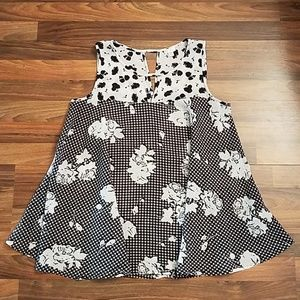 Spense flowy floral gingham black & white tank top